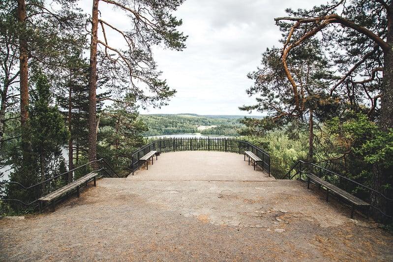 Hämeenlinnan_kansallinen_kaupunkipuisto_näkoalatasanne