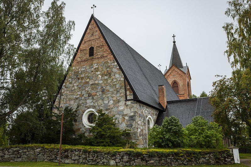 Hauho_medieval_church