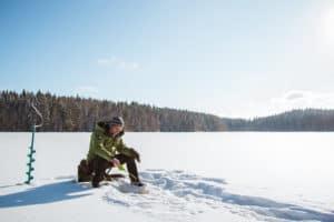 Lakeland_järvet_pilkkiminen_talvi_aktiviteetti_icefishing_winter_activity
