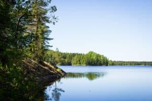 Lakeland_järvet_tammela_kallioinen_ranta_rocky_shore
