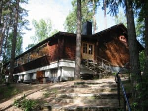 TOP10_Forssa_Saaren_kansanpuisto_Lounais_Hämeen_pirtti