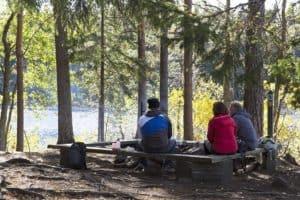 TOP10_Forssa_liesjärven_kansallispuisto_nuotiolla.