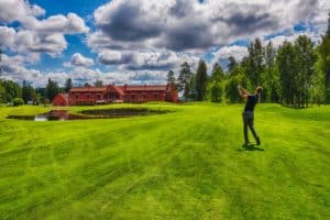 Golf_linnagolf_vanajanlinna_puttaus