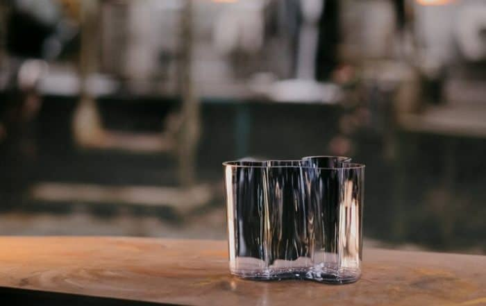 Iittala_making_of_recycled-glass_Aalto