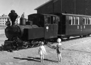 Lopen_rautatien_muistomerkki