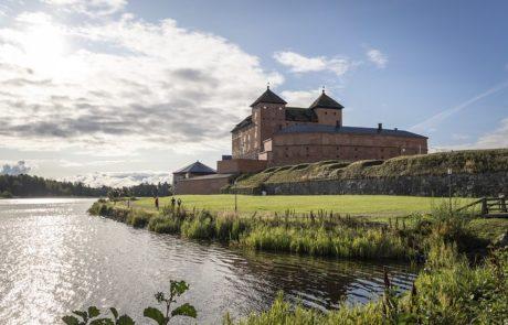 Hameenlinnan-kansallinen-kaupunkipuisto-Hameen-linna-linnanniemi
