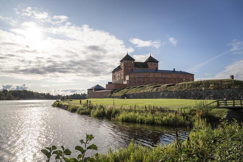 Hameenlinnan-seutu-top-10-kayntikohteet-Hameen-linna-Hame-castle