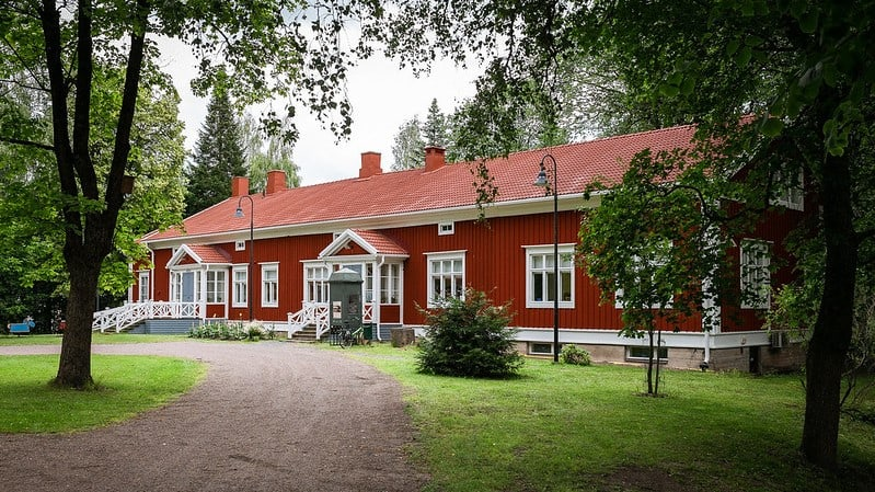 Rautatienpuisto-Riihimaki-Riihimaen-kaupunginmuseo
